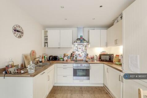 Medhurst Drive, Bromley, BR1. 2 bedroom flat