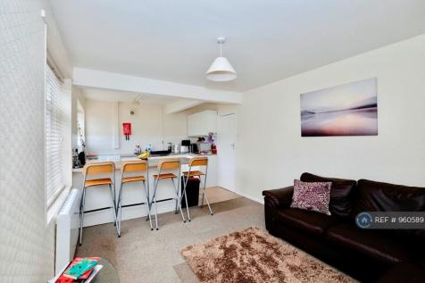 Hay Road, Chichester, PO19. 4 bedroom terraced house