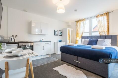 North Road, Westcliff-On-Sea, SS0. 1 bedroom flat
