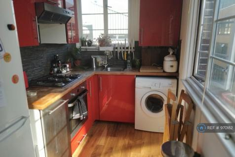 Stoke Newington Church Street, London, N16. 2 bedroom flat share