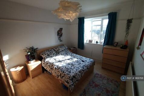 Orford Court, London, SE27. 2 bedroom flat