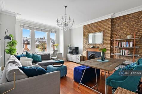 Upper Tooting Park, London, SW17. 1 bedroom flat
