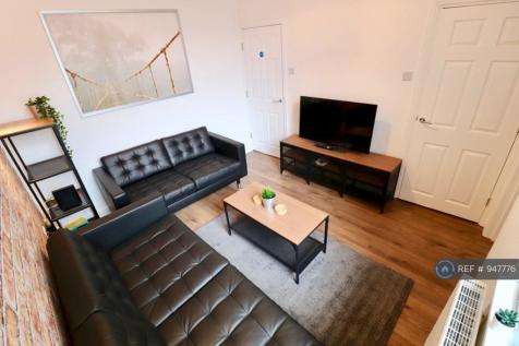 Oxford Street, Middlesbrough, TS1. 5 bedroom terraced house