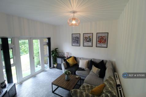 Cotswold Way, High Wycombe, HP13. 1 bedroom flat
