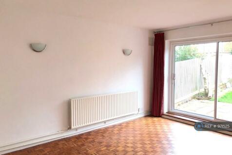 Warren Avenue, Bromley, BR1. 2 bedroom maisonette