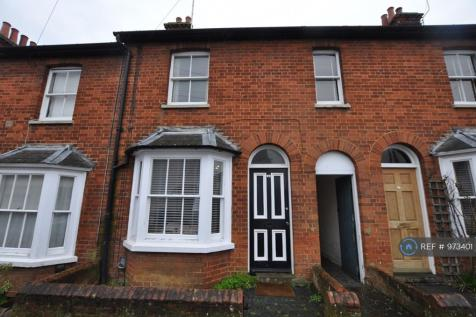 Bedford Street, Hitchin, SG5. 3 bedroom terraced house