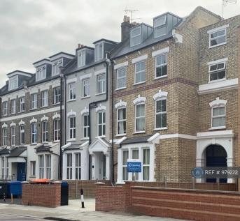Woodberry Grove, London, N4. 2 bedroom flat