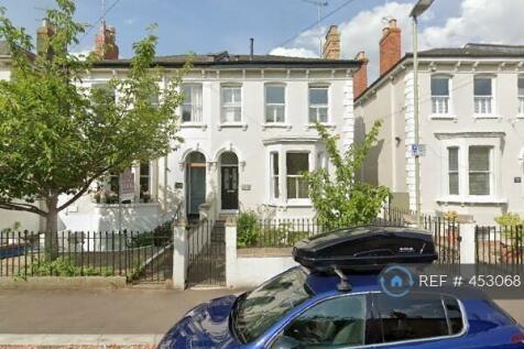 St Annes Road, Cheltenham , GL52. 4 bedroom semi-detached house