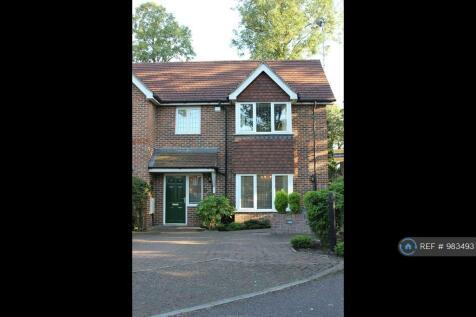 Bridgelands Close, Beckenham, BR3. 3 bedroom semi-detached house