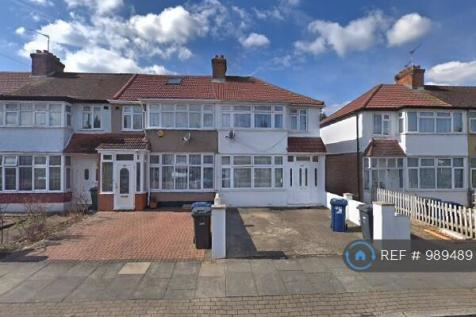 Evelyn Grove, Southall , UB1. 4 bedroom end of terrace house