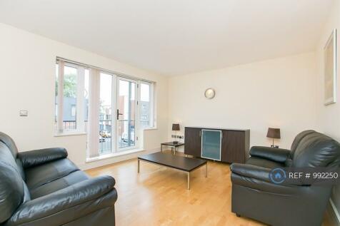 Llanvanor Road, London, NW2. 2 bedroom flat