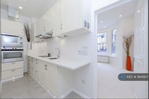 Catford Hill, London, SE6. 1 bedroom flat