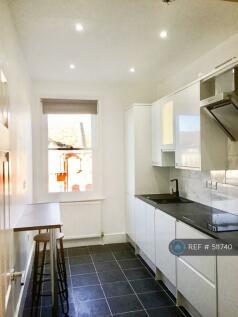 Mackenzie Road, Beckenham, BR3. 2 bedroom flat