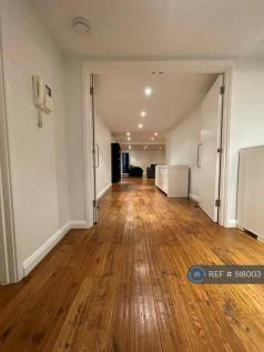 Boyd Street, London, E1. 2 bedroom flat