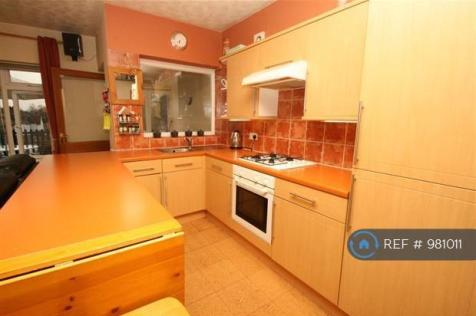 Swakeleys Road, Ickenham, UB10. 3 bedroom flat share