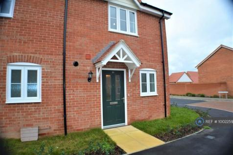 Swallows Way, Walton On The Naze, CO14. 2 bedroom end of terrace house