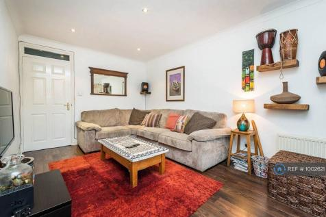 Hainton Close, London, E1. 3 bedroom flat