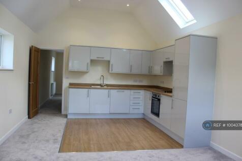London Road, East Grinstead, RH19. 1 bedroom flat