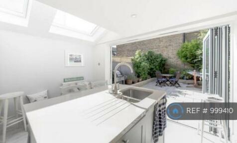 Pelham Rd, London, SW19. 4 bedroom terraced house