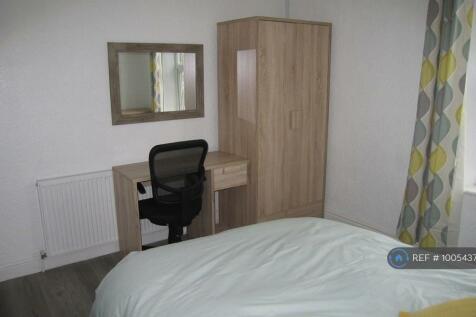 Leek Road, Stoke-On-Trent, ST4. 4 bedroom house share