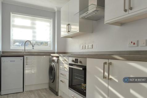 Donnington, Chichester, PO19. 1 bedroom flat