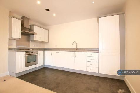 Eagles Court, Wrexham, LL13. 2 bedroom flat