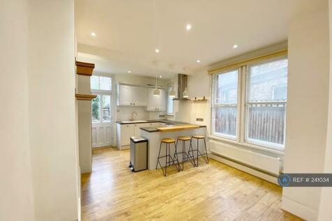 Hailsham Avenue, London, SW2. 2 bedroom maisonette