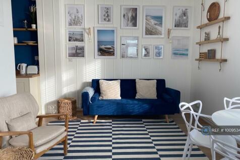 High Street, Rottingdean, Brighton, BN2. 1 bedroom flat