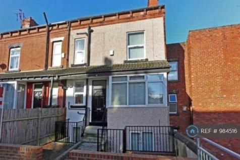 Village Terrace, Leeds , LS4. 4 bedroom house share