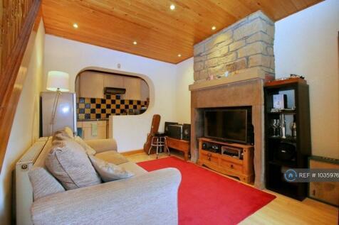 Wood End, Berry Brow, Huddersfield, HD4. 1 bedroom terraced house