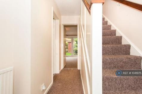 Abbots Close, Cambridge, CB4. 2 bedroom semi-detached house