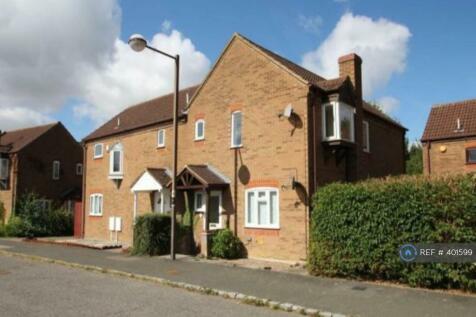 Linceslade Grove, Loughton, Milton Keynes, MK5. 3 bedroom semi-detached house