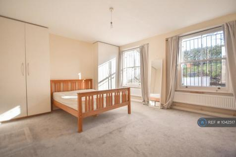 Mildmay Grove North, London, N1. 3 bedroom maisonette