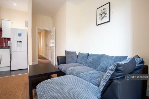 Ashgrove, Bradford, BD7. 3 bedroom flat share