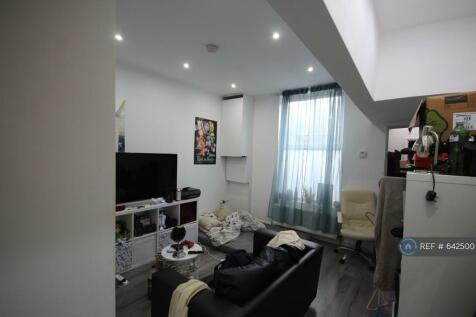 Lower Addiscome Road, Croydon, CR0. 1 bedroom flat