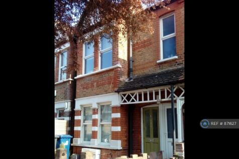 Elthorne Avenue, London, W7. 2 bedroom maisonette