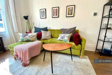Bridgeman Road, London, N1. 1 bedroom flat