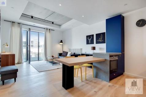 Orchard Place, Canary Wharf, London. E14. 1 bedroom apartment