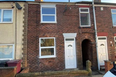 Mansfield Road, Winsick, Hasland, Chesterfield, S41 0JG. 2 bedroom terraced house
