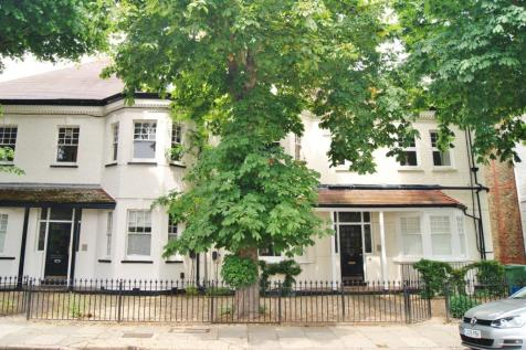 Popes Grove, Strawberry Hill. 2 bedroom apartment