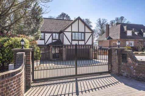 Oakfield Lane, Dartford. 5 bedroom house