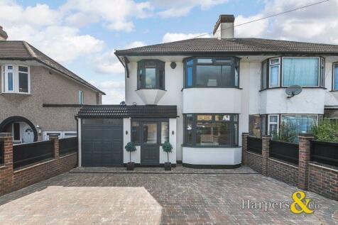Brampton Road, Bexleyheath. 3 bedroom house for sale