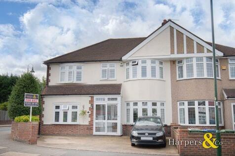 Carisbrooke Avenue, Bexley. 5 bedroom house