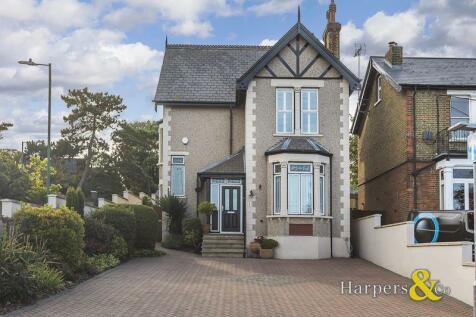 Summerhill Road, Dartford. 5 bedroom detached house