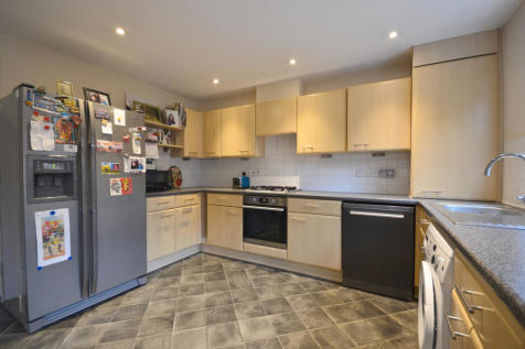 Howarde Court Old Town, Stevenage, Hertfordshire SG1. 4 bedroom town house for sale
