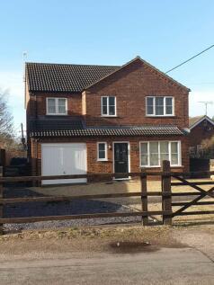 The Street, Kings Lynn, Norfolk PE33. 4 bedroom detached house