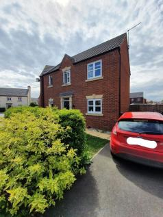 Bradfield close, Middlewich, Cheshire cw10. 3 bedroom semi-detached house