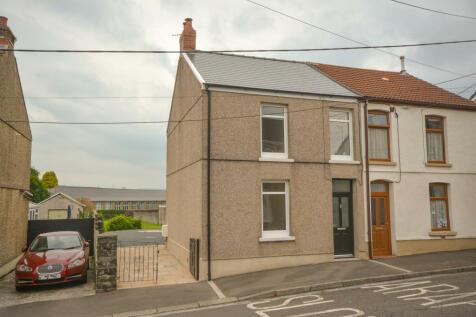 Grovesend, Swansea, Swansea SA4. 3 bedroom semi-detached house