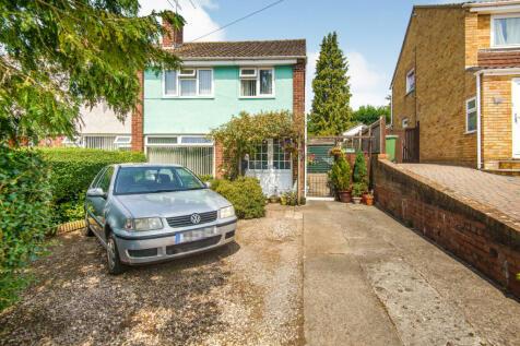 Thornbury, Bristol, Avon BS35. 3 bedroom semi-detached house