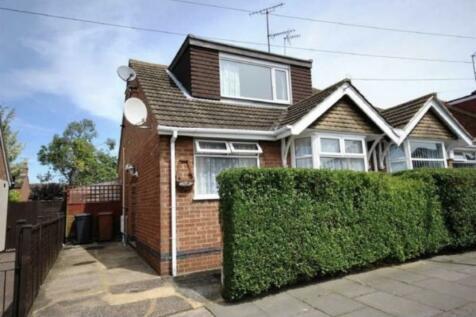 Yelvertoft Road, Northampton, Northamptonshire NN2. 3 bedroom semi-detached house